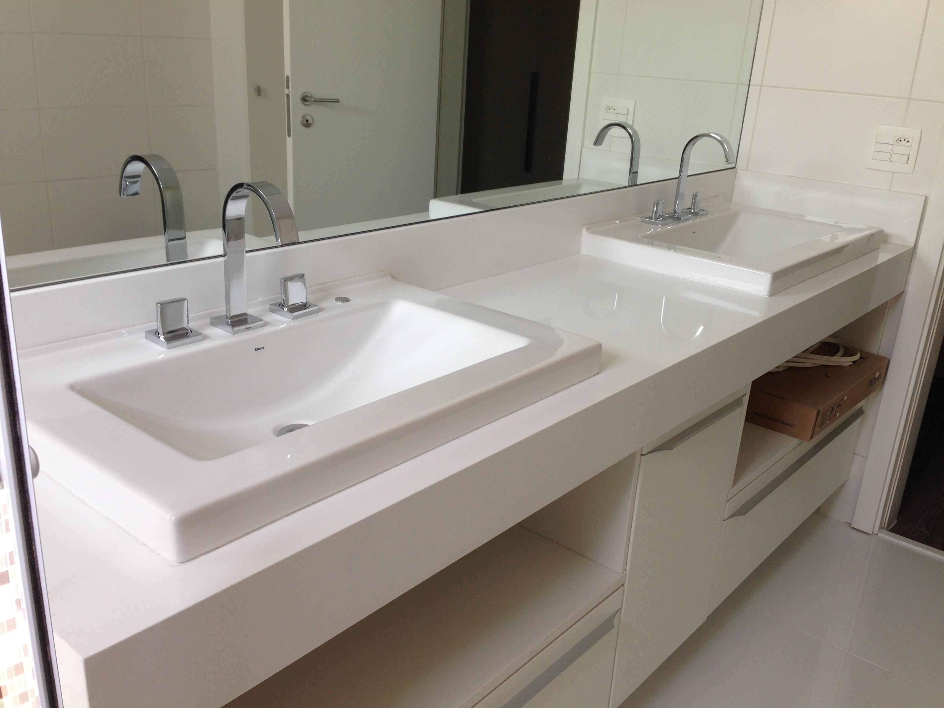 Granito Branco e dicas de decoração Pedras Olivares #5C4D3B 3264x2448 Bancada Banheiro Branco Siena