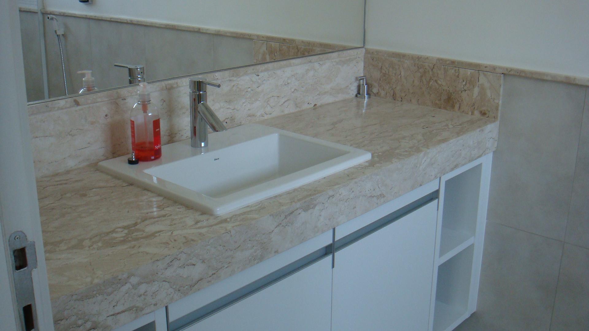 Banheiro Bancada Travertino  rinkratmagcom banheiros decorados 2017 -> Banheiro Decorado Granito